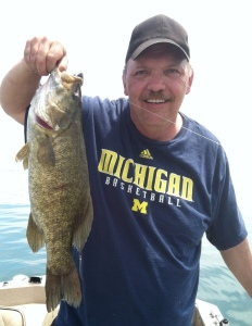 Rick with Smallmouth 600